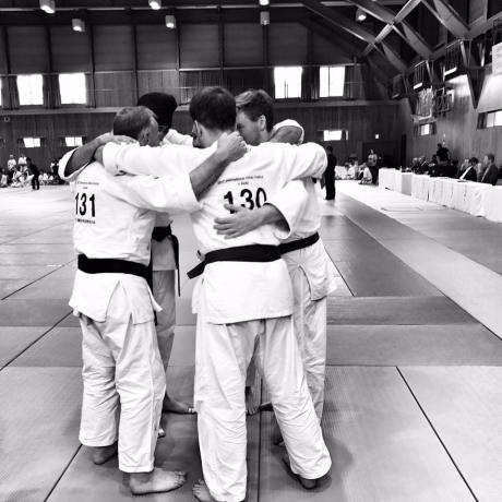 2017 Japan GB Team Huddle