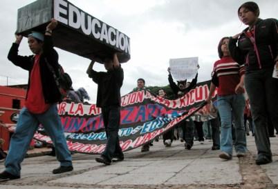 educacionlucha_8-19-05