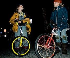 unicyclists_12-31-07