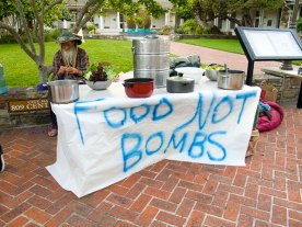 food-not-bombs-santa-cruz_6-30-11