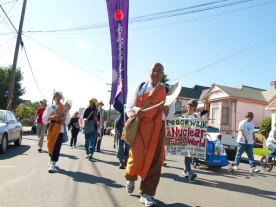 peacewalk-nuclear-free-world_10-29-11