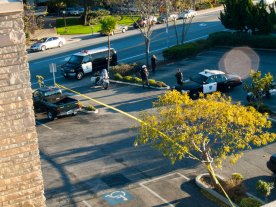cops-in-parking-lot_11-30-11