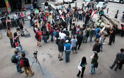 bird's eye view of the rally in the Bay Tree Plaza