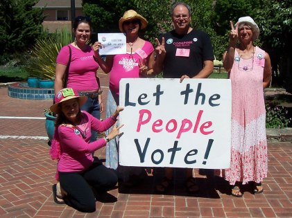 """CodePink Louis - the """"Let the People Vote"""" Campaign - 2006 - Santa Cruz City Hall. Photo via Sherry Conable."""