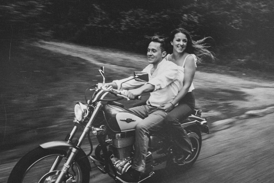 Motorcycle-engagement-photos08