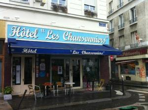 hotel les chansonniers Paris