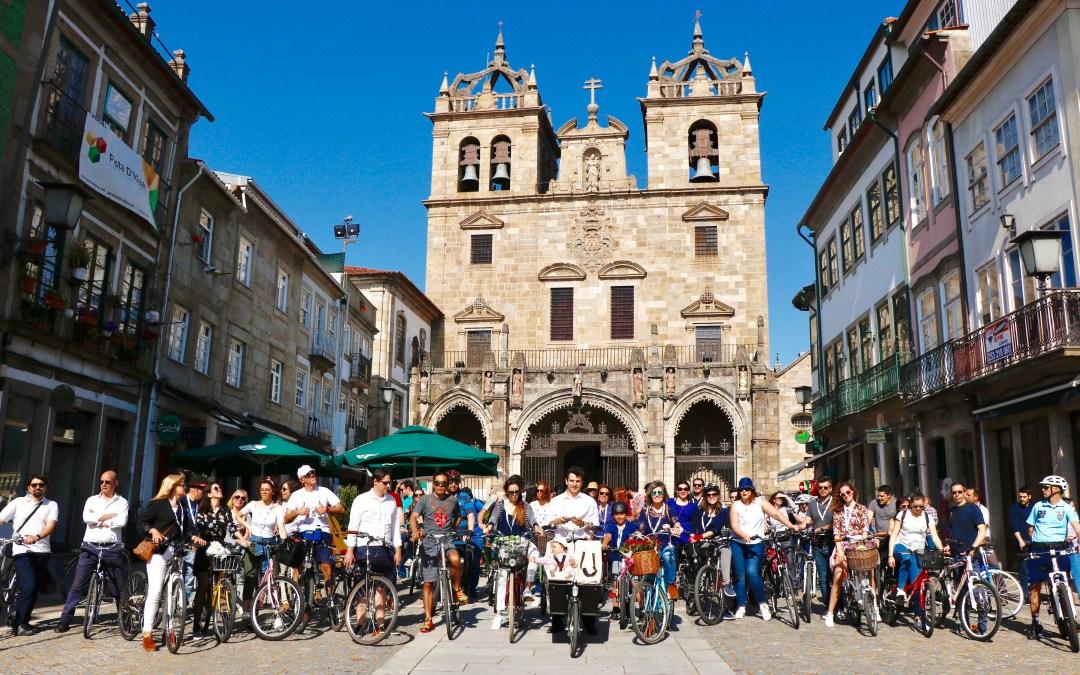 IV Braga Cycle Chic – Duas centenas de ciclistas visitaram comércio de Braga