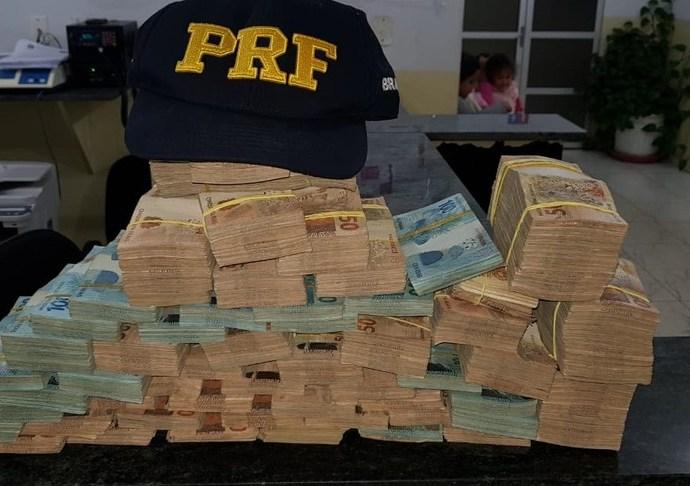 Policial com R$500 mil