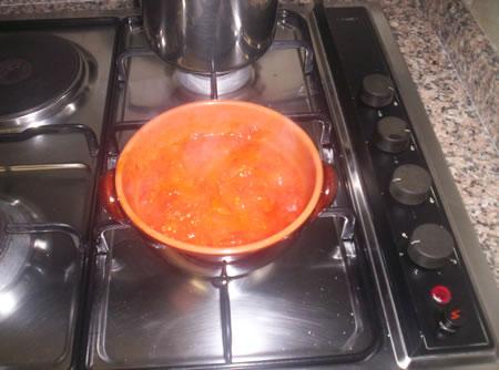 La preparazione del sughetto