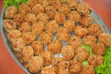 Chiftelute de pui cu susan sau mac