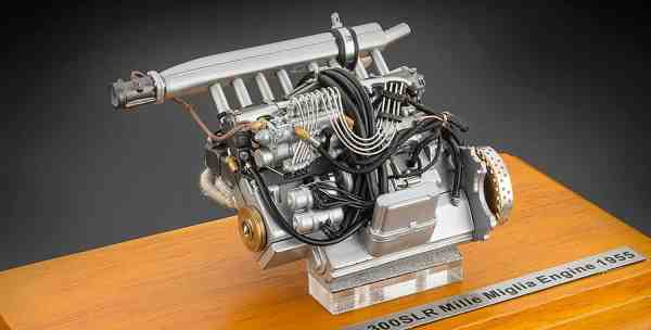 CMC Mercedes- Benz 300 SLR Engine Showcase included