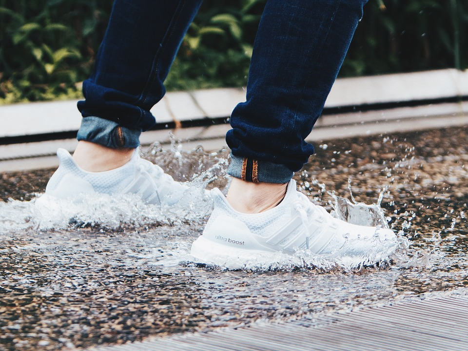 Adidas Plastic Shoes >> Adidas Creates Shoes Made From Ocean Plastic Selling 1 Million
