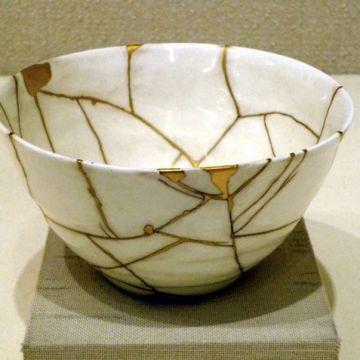 kitsungi an art form that turns brokeness into beauty