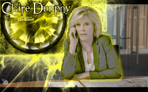 Claire Dunphy, Modern Family, ABC Network, 20th Century FOX TV, Hulu, Julie Bowen
