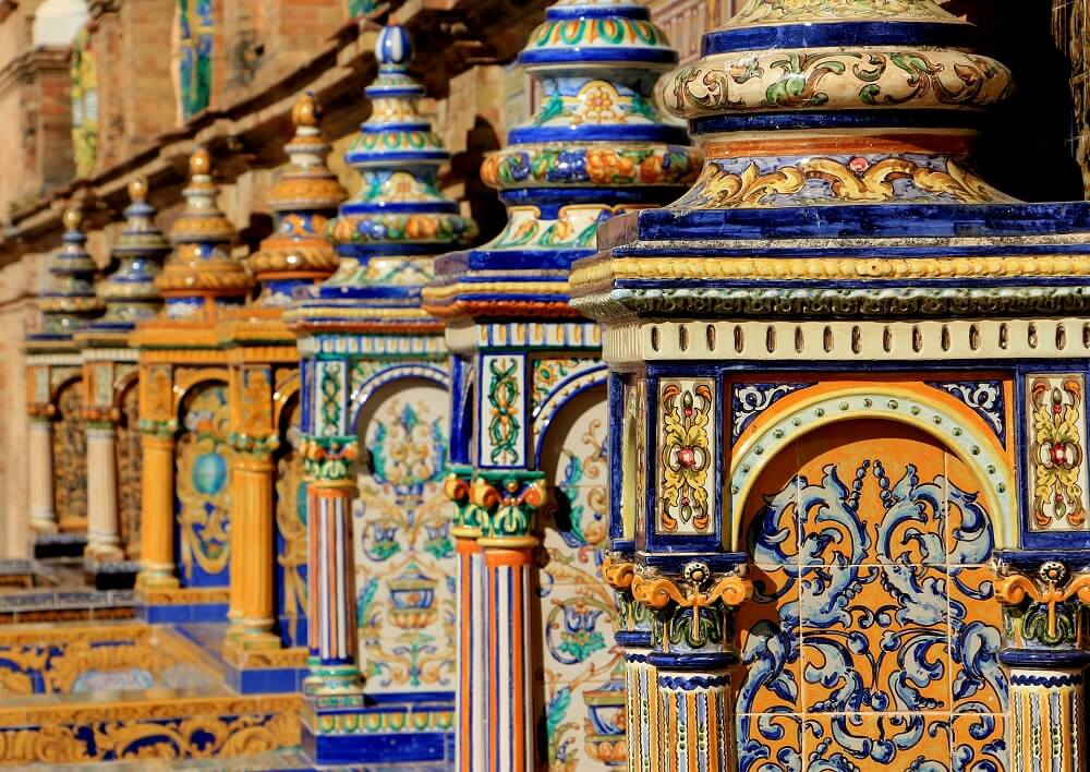 Seville itinerary 3 days - explore all the incredible architecture and tile work in Plaza de España