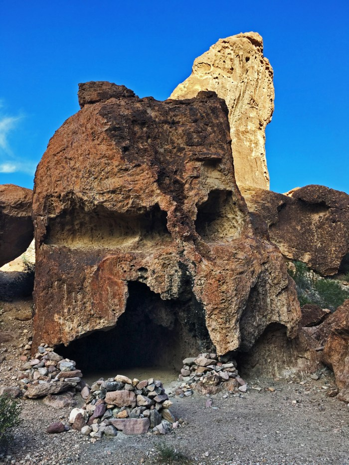 Rock that looks like a skull with a cave in its mouth in Kofa Queen Canyon