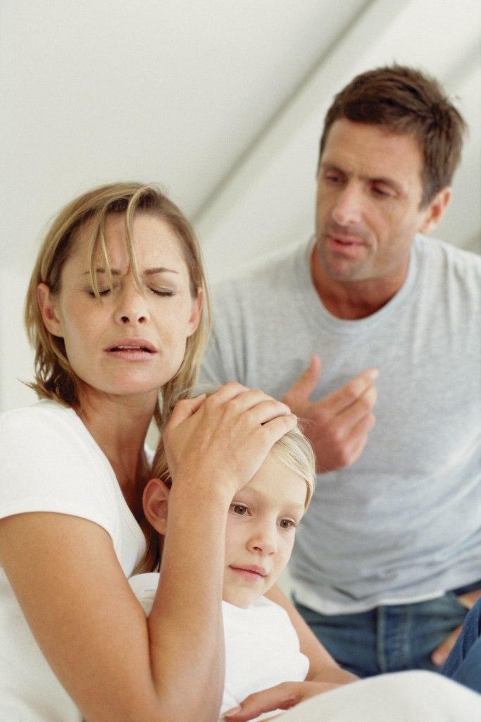 Можно ли лишить отцовства и как это сделать правильно