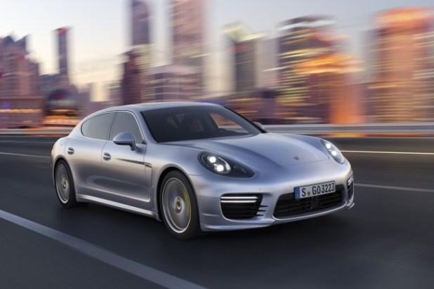 2014-Porsche-Panamera-_3_-650x433