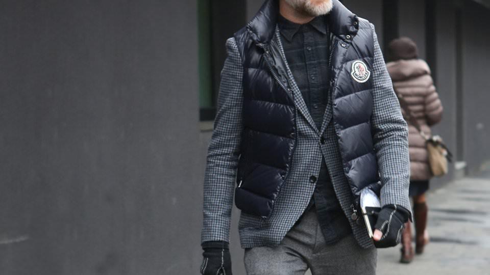 С чем носить черный жилет