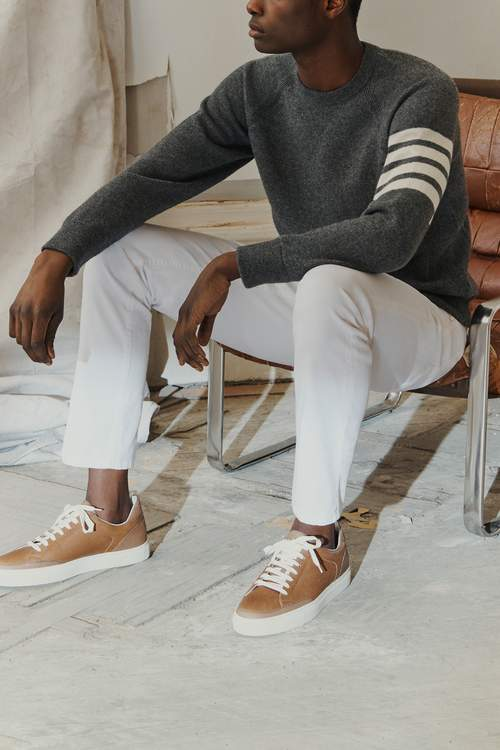Белые джинсовые брюки
