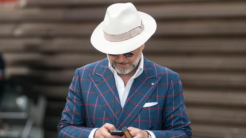 как правильно носить шляпу мужчине