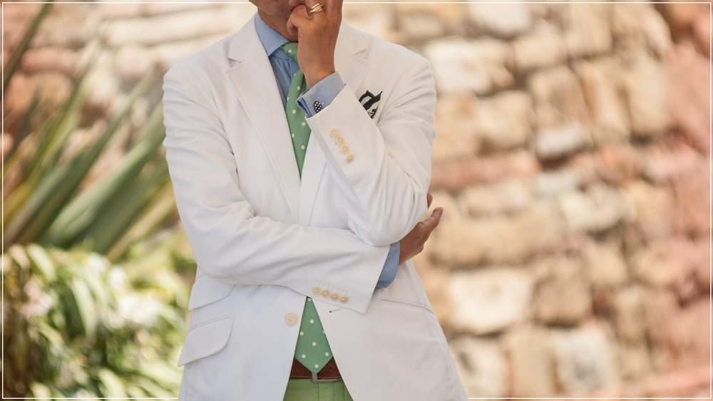 белый цвет в мужской одежде