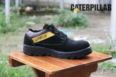 BC0322 Black Caterpillar Low #Steel - Rp. 130000