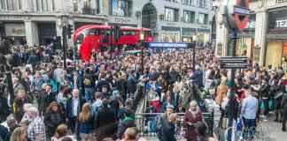 London crowded Oxford Circus