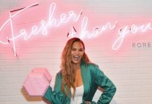 Chrissy Teigen Surprises FOREO Fans at POPSUGAR Play/Ground