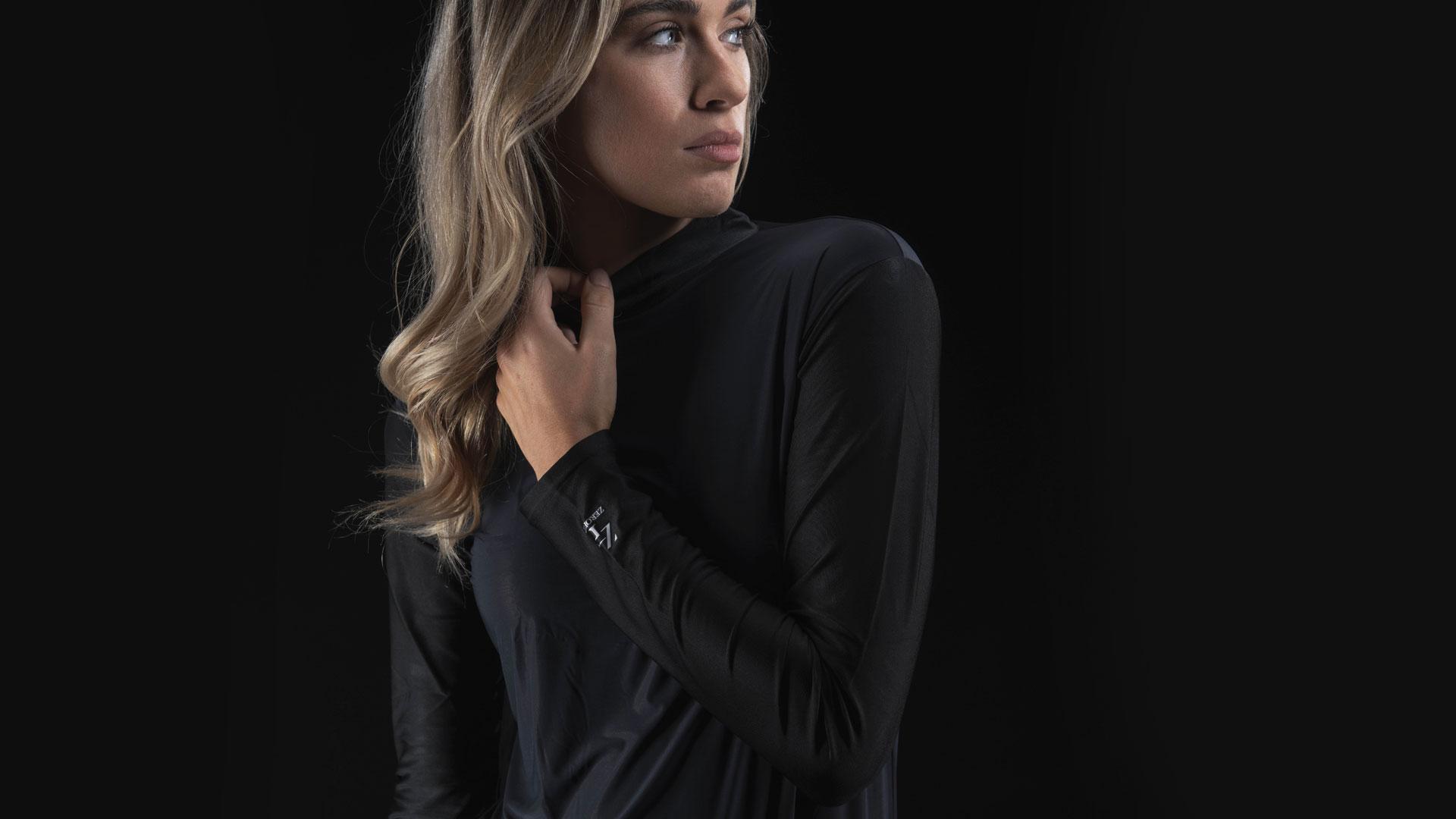 Aimee Black Hybrid 2 retouched C web