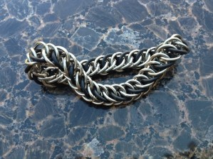chainmail_bracelet_half_persian_black_steel
