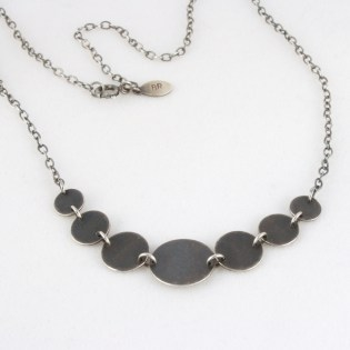 necklace_geo_7circle_graduated