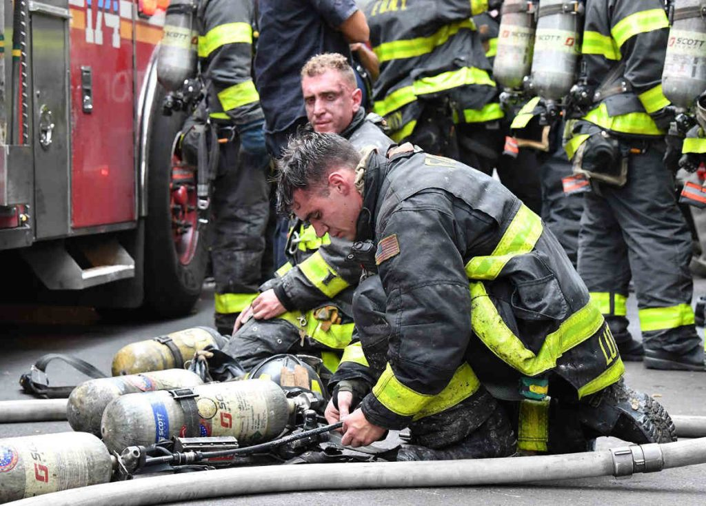 THis is a picture of the NYFD in action on the streets of NYC. THis is Brandon Tyler Webb''s article