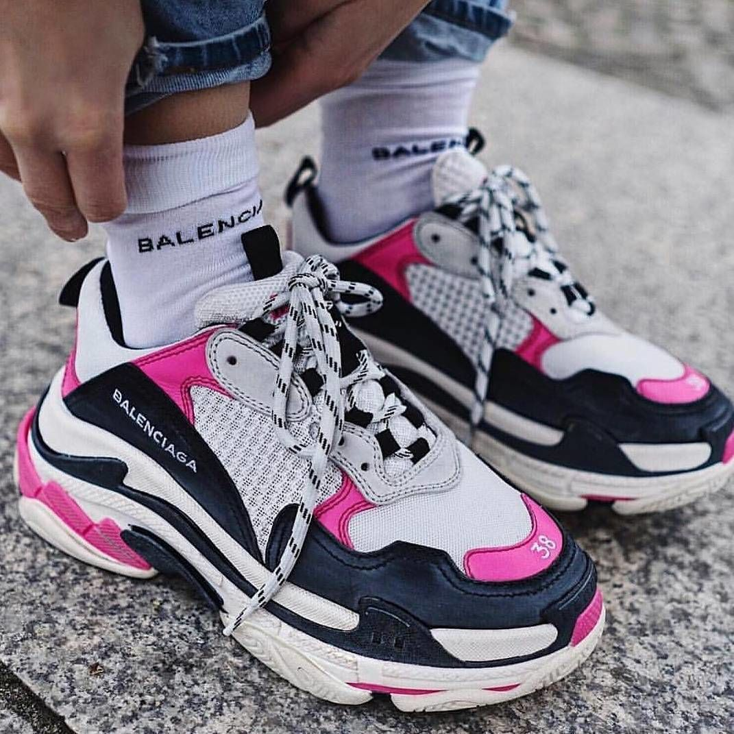 Balenciaga triple s 2 0 or V2 Size eu42 also Depop