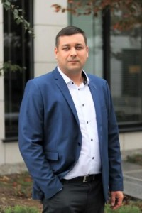 Krzysztof Nikisz Sharp  Nowy szef sprzedaży Visual Solutions Sharp w CEE Krzysztof Nikisz Sharp min 200x300