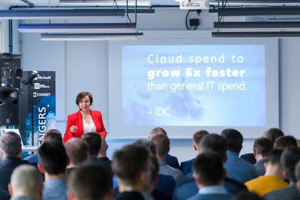 Cloud Microsoft  Chmura… i kropka Cloud Challengers Microsoft 960x640 min