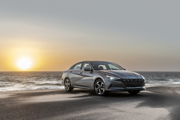 Hyundai Elantra Hybrid Wins Motor1.Com Star Award For Best Value - Brand Spur