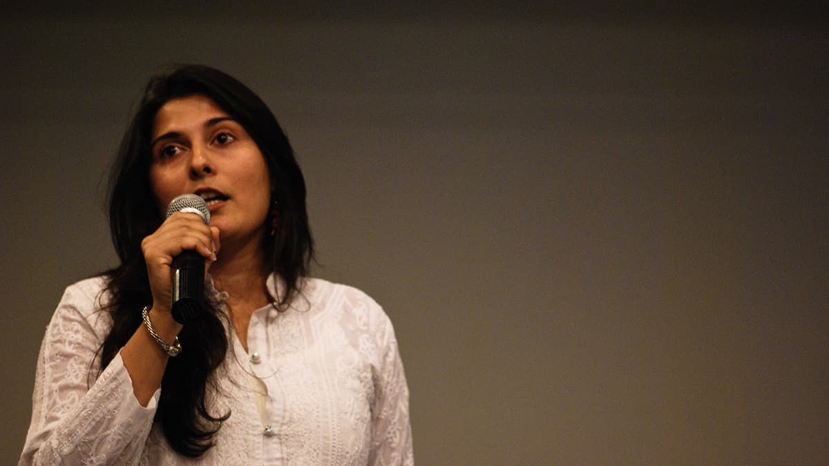 Sharmeen Obaid Chinoy is Being Trolled With Hate By Pakistanis on Twitter. Find Out Why, Here...