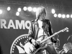 Johnny sobre el escenario