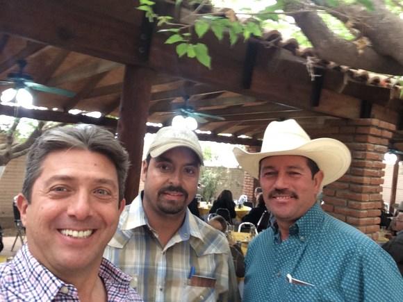 parte del equipo Tarahumar en la comida de la Asamblea Brangus