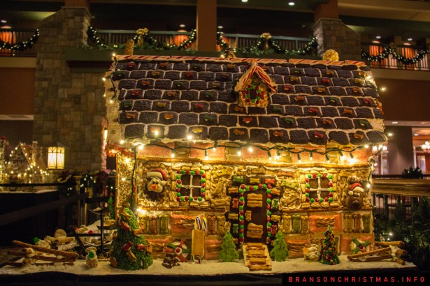 25 photos of Chateau on the Lakes gingerbread house