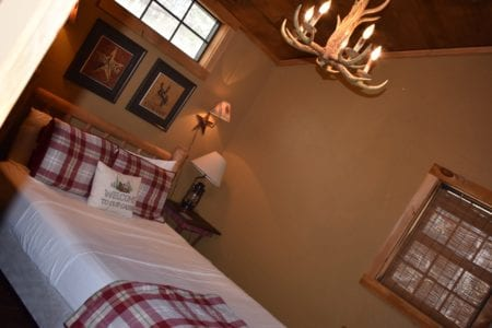 Bear Creek Bed and Breakfast Cabin Lodge