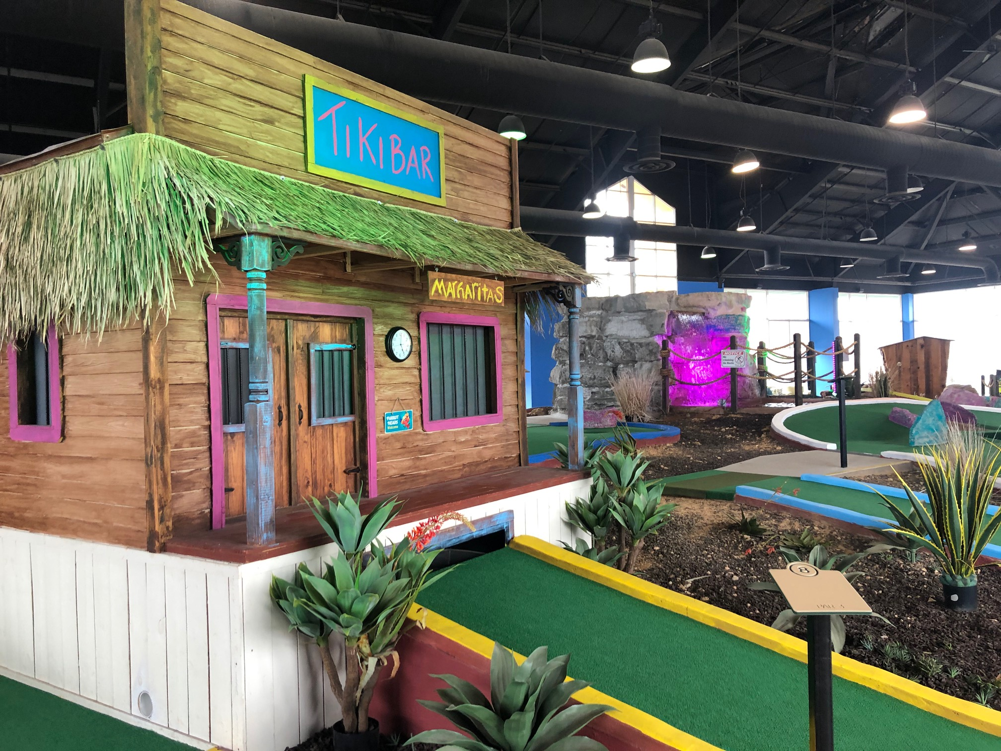 Corral_Reef_Indoor_Mini_Golf_Branson_MO_Attraction
