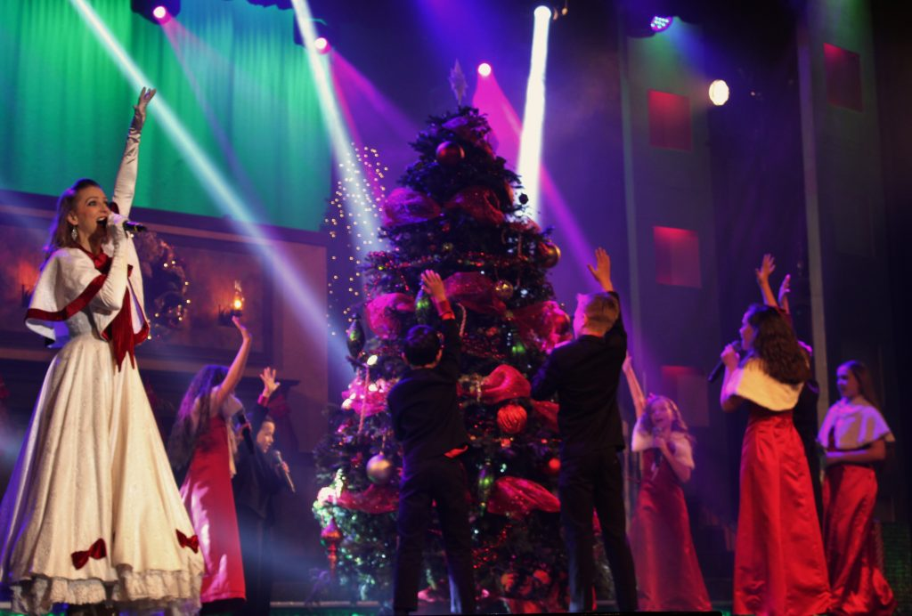 Hughes_Brothers_Christmas_Show_Branson_MO