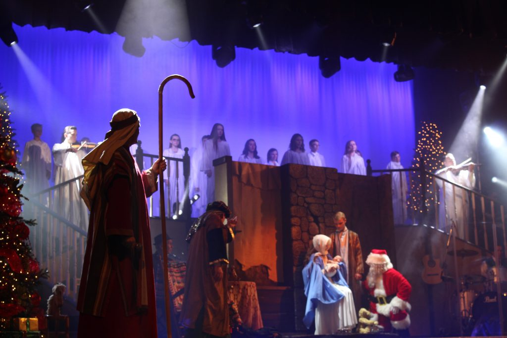 Hughes_Brothers_Christmas_Show_Branson_Travel_Blog