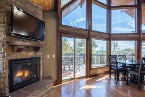 Branson-Vacation-Houses-Cedar-Cove-03-1102