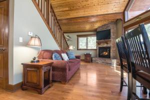 Branson-Vacation-Houses-Cedar-Cove-04-1073