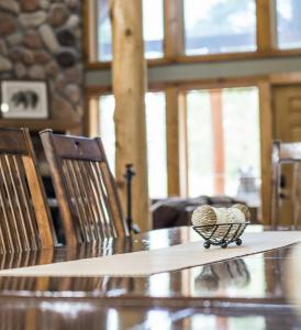 Branson-Vacation-Houses-Black-Bear-Lodge-02-1079