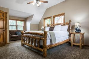Branson-Vacation-Houses-Black-Bear-Lodge-11-1005