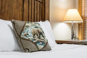 Branson-Vacation-Houses-Black-Bear-Lodge-13-1039